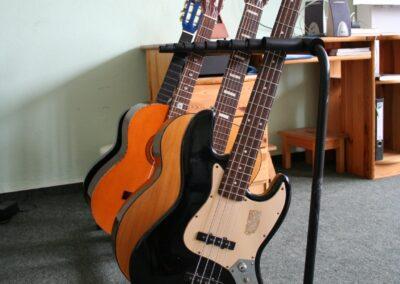 21.06.-02.07.2021 Schnupperkurse Schlagzeug, Gitarre, Bass, Keyboard